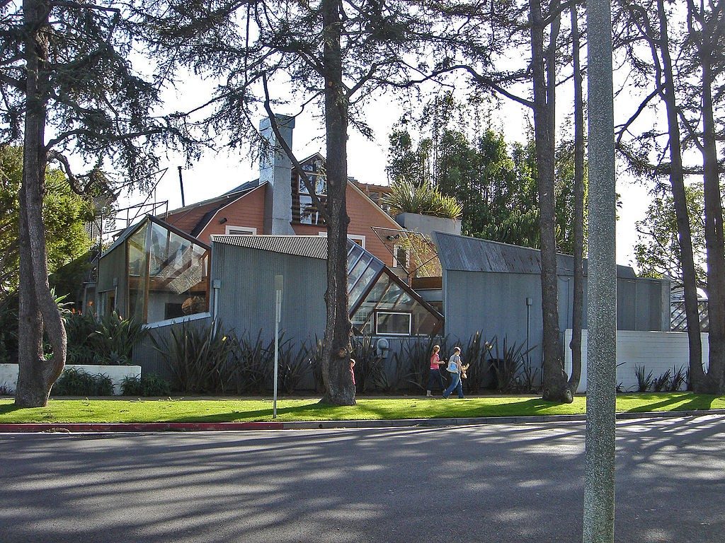 1024px-Gehry_House_-_Image01